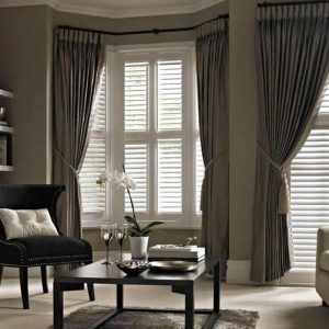 thomas_sanderson_bay_window_living_room_shutters_1200x753-min